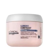 LOreal Professionnel Expert Lumino Contrast / Люмино Контраст - Маска-сияние 200 млМаски для волос<br>Как известно, мелированным волосам необходим особый уход, который отличается от ухода за окрашенными волосами. Специально для мелированных прядей была создана маска-сияние Люмино Контраст, которая справляется с несколькими задачами:Препятствует вымыванию цвета, питает волосы.Разглаживает волосы, создавая на них плёнку, которая защищает их от неблагоприятного воздействия внешних факторов.Дарит волосам сияние, шелковистость, гладкость и наполняет их энергией.Способствует восстановлению липидного баланса мелированных прядей, благодаря особой технологии Nutriceride.Облегчает процесс укладки и расчёсывание.Применяем правильно: нанести небольшое количество средства после использования шампуня на подсушенные волосы, помассировать примерно 5 минут, смыть.Объём: 200 мл<br>