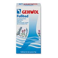 Gehwol Classic Product  Foot Bath - Ванна для ног 400 грСредства для ухода за ногами<br>Ванна для ног Геволь (Gehwol Foot Bath) с бальзамирующим эффектом масел из трав снимает боль, оживляет уставшие ноги. Ванна для ног Геволь поможет Вам, если Ваши ноги болят. Поможет также и вспотевшим ногам.Средство оживляет уставшие ноги и устраняет надоедливое ощущение жжения. Мозоли, ороговелости и загрубевшие участки кожи становятся мягкими. Поры кожи снова начинают дышать, она надолго останется упругой и эластичной.Ванна для ног Геволь обладает длительным дезодорирующим эффектом. Натуральные эфирные масла лаванды, розмарина и тимьяна способствуют улучшению кровообращения. Ноги согреваются и оживают.Назначение:Эффективно размягчает загрубевшую кожу, натоптыши и мозоли.Стимулирует кровообращение и придает ногам ощущение теплоты.Обладает дезодорирующим действием и нормализует потоотделение.Активные компоненты: масло розмарина, лавандовое масло, масло тимьяна, тимол, каприл глицерид, сульфат натрия, карбонат натрия, вода.Применение: Одну столовую ложку растворить в 4 литрах теплой воды и купать в пенящейся ванне ноги в течение 15-20 минут. Для размягчения особенно сильных областей загрубелостей кожи и мозолей рекомендуется брать двойное количество средства и купать ноги до 30 минут.В качестве дополнительных средств ухода можно использовать дезодорант, крем или бальзам по типу кожи от Геволь (Gehwol).Объем: 400 гр<br>