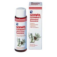 Gehwol Fusskraft Warming Bath Concentrate - Согревающая ванна 150 млСредства для ухода за ногами<br>Согревающая ванна Геволь (Fusskraft Warmebad Gehwol) - это концентрированный экстракт эфирных масел имбиря и красного перца. Она также содержит натуральные вытяжки из розмарина и комбинацию витамина «E» (профилактика старения кожи) и витаминов группы «B» (питание, уход).Все активные ингредиенты быстро проникают в кожу, и продолжительное время дают ощущение тепла. Средство также ухаживает за сухой кожей, делает её эластичной и мягкой.Проверено по дерматологическим показателям. Благоприятно применение при заболевании диабетом.Назначение:Устранение эффекта холодных ног.Профилактика простуды.Применение: Одну ложку средства (10 мл) развести в 3-4 литрах теплой воды. Купать ноги в течение 10-15 минут, после этого рекомендуется массаж с «Красным бальзамом» из серии Фускрафт. Не используйте средство для детей до 3 лет, берегите глаза от попадания, не рекомендуется для людей с индивидуальной чувствительности к маслу горной сосны.Объем: 150 мл<br>