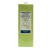 Lebel Cool Orange Hair Rinse - Бальзам-ополаскиватель «Холодный Апельсин» 1600 млБальзамы для волос<br>Бальзам-ополаскиватель «Холодный Апельсин» Lebel Cool Orange:Моментально увлажняет волосы и кожу головы.Придаёт волосам силу, натуральный блеск и шелковистость.Защищает от воздействия фена и агрессивной окружающей среды.Предотвращает впитывание посторонних запахов.SPF 15.Состав: масла апельсина, жожоба и мяты перечной, экстракты корней бамбука и зелёного чая.Способ применения: Небольшое количество бальзама (5–10 мл для волос средней длины) распределить на коже головы и волосах. Выдержать 1–5 минут. Тщательно смыть тёплой водой. Подходит для ежедневного применения.Объём: 1600 мл<br>