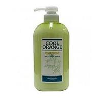 Lebel Cool Orange Hair Rinse - Бальзам-ополаскиватель «Холодный Апельсин» 600 млБальзамы для волос<br>Бальзам-ополаскиватель «Холодный Апельсин» Lebel Cool Orange:Моментально увлажняет волосы и кожу головы.Придаёт волосам силу, натуральный блеск и шелковистость.Защищает от воздействия фена и агрессивной окружающей среды.Предотвращает впитывание посторонних запахов.SPF 15.Состав: масла апельсина, жожоба и мяты перечной, экстракты корней бамбука и зелёного чая.Способ применения: Небольшое количество бальзама (5–10 мл для волос средней длины) распределить на коже головы и волосах. Выдержать 1–5 минут. Тщательно смыть тёплой водой. Подходит для ежедневного применения.Объём: 600 мл<br>
