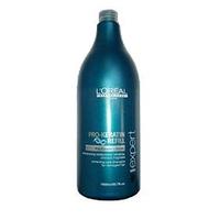 LOreal Professionnel Expert Pro-Keratin Refill Conditioner - Смываемый уход для поврежденных волос 750 млМаски для волос<br>Корректирующее смываемое ухаживающее средство Про-Кератин Рефил Correcting Care Conditioner помогает вернуть волосам красоту и здоровье, восполнить недостаток кератина – строительного материала для волос.Кондиционер глубоко проникает в волос и восстанавливает поврежденные участки, помогает улучшить состояние поврежденных волос.Питает активными веществами и смягчает.Укрепляя кутикулу, придает волосам жизненную силу и упругость от корней до кончиков.Благотворно влияет на клетки кожи головы, укрепляя, тем самым, корни и способствуя лучшему росту волос.Возвращает природный объем и значительно уплотняет тонкие волосы.Защищает от УФ-фильтра и пересушивания.Регулярное применение Correcting Care Conditioner дарит волосам жизненную силу и естественный блеск, защищая их от негативного воздействия окружающей среды.Активные компоненты: Кератин, комплекс витаминов, молекулы Incell, протеины пшеницы, фруктовые экстракты.Применение: После использования шампуня подсушите волосы полотенцем. Аккуратно вотрите кондиционер от корней до кончиков волос. Оставьте на 2-3 минуты. Тщательно смойте. В случае попадания в глаза, незамедлительно промойте их большим количеством воды.Объём: 750 мл<br>