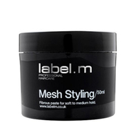 Label.M Complete Mesh Styling - Крем Моделирующий 50 млУкладочные средства<br>В руках превращается в тонкую, легкую волокнистую паутину. Идеальное средство для создания текстурных креативных форм с сильной фиксацией на коротких волосах. Содержит воски для придания матового сияния. Может быть использован как кремообразный стайлинг для вьющихся волос.Применение: наносить на волосы кончиками пальцев или растереть средство в ладонях, формируя паутинку, и распределить по волосам.Объем: 50 мл<br>