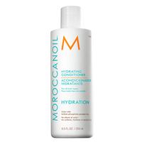 Moroccanoil Hydrating Conditioner - Увлажняющий кондиционер 250 млКондиционеры для волос<br>Увлажняющий кондиционер мягко заботится о волосах, даря им нежное очищение и насыщая влагой. Высококонцентрированная увлажняющая формула помогает удерживать влагу и питательные вещества внутри волоса. Витамин А и красные водоросли, входящие в состав средства, препятствуют преждевременному старению волос и обеспечивают волосам силу и эластичность.При регулярном применении кондиционера волосы становятся более послушными и мягкими. Они легче укладываются в прическу и приобретают здоровый, естественный блеск. Кондиционер помогает сохранить цвет окрашенных волос.Средство не содержит сульфатов, фосфатов и парабенов. Подходит для всех типов волос.Состав: аргановое масло, антиоксиданты, кератин, жирные кислоты, витамин А и красные водоросли.Способ применения:Распределите небольшое количество кондиционера по всей длине волос – от корней к кончикам. Оставьте на 1-2 минуты. Тщательно смойте водой.Объем: 250 мл<br>