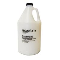 Label.M Cleanse Treatment Shampoo - Шампунь Активный Уход 3750млШампуни для волос<br>Легкий ежедневный уход за окрашенными волосами и волосами после химической обработки. Протеины сои и овса укрепляют волосы, не перегружая их. Пантенол, биотин и аминокислоты пшеницы увлажняют и придают блеск. Эксклюзивный комплекс Enviroshield защищает волосы от термического воздействия во время укладки и от УФ лучей.Применение: нанести на влажные волосы, массировать до появления густой пены. Смыть, при необходимости повторить.Объем: 3750 мл<br>