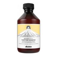 Davines New Natural Tech Purifying Shampoo - Очищающий шампунь против перхоти 100 млШампуни для волос<br>Очищающий шампунь помогает бороться с жирной и сухой себореей. Фитоактив одуванчика, входящий в формулу шампуня, помогает организму вырабатывать витамины С, А, В2 и РР, а также фосфор и кальций, что жизненно необходимо для здоровья волос. Эфирные масла шалфея, мирры и лаванды питают и укрепляют волосы. Селен дисульфида активно борется с болезнетворными бактериями. рH 4,9.Применение: Нанесем шампунь на влажные волосы и слегка помассируем голову. Чтобы он действовал эффективнее, не смываем его несколько минут. Затем аккуратно смоем и при необходимости повторим процедуру.Объём:100 мл<br>