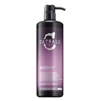 TIGI Catwalk Headshot Shampoo - Шампунь для восстановления поврежденных волос 750 млШампуни для волос<br>Шампунь специально разработан для ослабленных, химически обработанных, тонких и поврежденных волос. Экстракты шиповника, женьшеня и аминокислоты восстанавливают, защищают и реконструируют поврежденную кутикулу, защищая волосы от негативных внешних воздействий. Идеально подходит для окрашенных волос, сохраняя их цвет на более длительное время, а также закрепляет положительный эффект от различных процедур по уходу за волосами.Состав:протеины пшеницы- укрепляют и восстанавливают структуру волос, питают кожу головы, предотвращают сечение.Аминокислоты- образуют жесткий каркас и волосы становятся более упругими. Оказывают на волосы оздоравливающее действие, предотвращают ломкость волоса, выравнивают его поверхность, защищают волосы от внешнего воздействияГлицерин- обеспечивает волосам длительный эффект увлажнения.Молочная кислота- восстанавливает оптимальный баланс рН, увлажняет, активирует процессы обновления клеток, усиливает синтез коллагена.Применение:нанесите шампунь на влажные волосы, помассируйте до образования пены, тщательно смойте.Объем:750 мл<br>