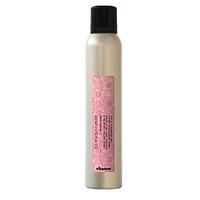 Davines More inside Invisible Shimmering Mist - Мерцающий спрей для исключительного блеска волос 200млУкладочные средства<br>Мерцающий спрей для исключительного блеска волосЛегкий спрей с эффектом «анти-фриз» для экстремального блеска волос, придает бархатистую текстуру волосам. Оказывает антистатическое действие.Объем: 200 мл<br>