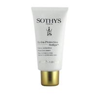 Sothys Hydra Protective Line  Protective Cream - Крем  защитный 50 млКрема для лица<br>Красота быстротечна, а молодость уходит, если не пытаться их сохранить. Средства для ухода за кожей от компании Sothys отличаются высокой эффективностью за счет своих богатых составов. Крем Protective Cream насыщен растительными маслами, имеющими ценные свойства. Масло зародышей кукурузы - это настоящий бальзам для кожи, оно содержит ненасыщенные жирные кислоты, витамины A,F и E, лецитин и минералы, необходимые в процессе восстановления клеток. Масло каритэ является сильным увлажнителем, оно задерживает влагу на коже и не дает ей испаряться. Экстракт чапареля смягчает кожу, делая ее бархатно-нежной, существенно улучшает цвет лица и укрепляет естественные функции защитного барьера кожи. Приятная текстура с ароматом свежей дикой розы мягко ложится на кожу, оставляя после себя тонкое ощущение комфорта и нежности.Активные компоненты:экстракт чапареля, масло зародышей кукурузы, масло каритэ.Способ применения:Защитный крем Protective Cream рекомендуется применять утром и вечером, наносить следует на предварительно очищенную кожу лица, шеи и зоны декольте. Крем можно использовать как основу под макияж.Объем:50 мл<br>