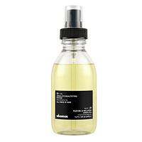 Davines Essential Haircare OI/Oil Absolute beautifying potion Trial kit - Масло для абсолютной красоты волос с маслом аннатто 6 x 12 млМасла для волос<br>Масло предназначено для всех типов волос.Делает волосы блестящими и защищенными, не утяжеляя их.Помогает распутывать волосы и смягчает грубые кудрявые волосы.Защищает структуру волос, покрывая волосы защитной пленкой.Оказывает антиоксидантое действие.Сокращает время высушивания волос.В основе продукта – масло аннатто (Bixa orellana), содержащее огромное количество бета-каротина. Благодаря этому масло отлично восстанавливает структуру волос и способствует их росту, стимулирует производсто меланина и препятствует повреждению клеток волос. Кроме того, масло богато эллаговой кислотой - одним из самых эффективных противоканцерогенных и антиоксидантных веществ.Применение:нанесите масло на влажные волосы, распределите по всей длине волос, высушите. Можно наносить и на сухие волосы. Необходимое количество масла зависеть от типа волос: 1 порция (нажатие) – для тонких волос, 2-3 порции для средних и толстых волос.Объём:6 x 12 мл<br>