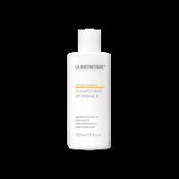 La Biosthetique Methode Vitalisante Lipokerine Shampoo B - Шампунь для сухой кожи головы 250 млШампуни для волос<br>Описание:Мягкий, прекрасно очищающий шампунь создан для решения проблем с ломкостью волос, сухостью и зудом кожи головы. Высокоэффективные липоаминокислоты делают сухие поврежденные волосы значительно более эластичными и гладкими. Волосы становятся послушнее, легче расчесываются. Нормализуется гидролипидный обмен. Благодаря жидкой консистенции шампунь легко наносится и распределяется по коже головы, способствуя оптимальному воздействию всех ингредиентов. При ощущении зуда. Для ломких волос. Гипоаллергенный.Применение:Нанести непосредственно из флакона на влажные волосы, равномерно распределить легкими массажными движениями; смыть.Объем: 250 мл<br>