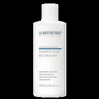 La Biosthetique Methode Regenerante Bio-Fanelan Shampoo - Шампунь препятствующий выпадению волос 250 млШампуни для волос<br>Описание:Шампунь бережно очищает кожу головы и волосы, препятствует выпадению волос. Также он является отличным способом подготовить волосы к последующему лечению специальной сывороткой или лосьоном. Средство замедляет и предотвращает выпадение волос, укрепляет фолликулы и корни. Длительное ощущение свежести, тонизирование кожи головы, укрепление волос – это основные результаты, которые вы ощутите после первого же применения.Применение: Шампунь нанести на волосы, вспенить и равномерно разделить по всей длине волос. Использовать в комплексе с другими средствами против выпадения из данной серии.Объем: 250 мл<br>